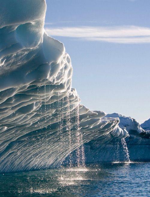 Anonyme Melting Icebergs Disko Bay, Greenland.jpg
